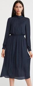 Granatowa sukienka Reserved midi