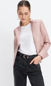 Różowa kurtka Mohito ze skóry krótka w stylu casual