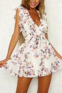 Sukienka IVET mini z dekoltem w kształcie litery v