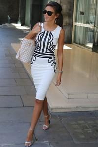 Sukienka Ivet.pl midi w stylu casual ołówkowa