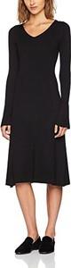 Czarna sukienka amazon.de midi z długim rękawem