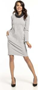 Sukienka Tessita z długim rękawem prosta z bawełny