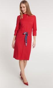 Czerwona sukienka QUIOSQUE prosta