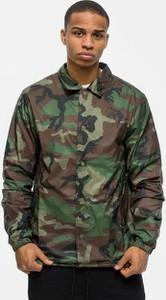 Kurtka Nike w militarnym stylu