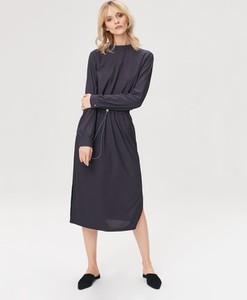 Granatowa sukienka FEMESTAGE Eva Minge z długim rękawem w stylu casual