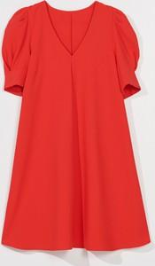 Czerwona sukienka Mohito z krótkim rękawem