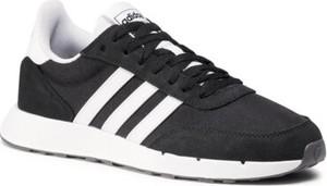 Czarne buty sportowe Adidas sznurowane z płaską podeszwą