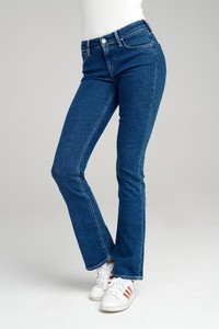 Niebieskie jeansy Lee w street stylu z jeansu