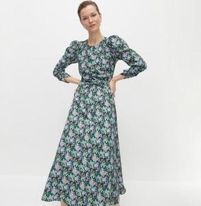 Sukienka Reserved midi z długim rękawem trapezowa
