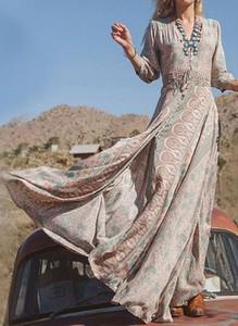 Sukienka Arilook z długim rękawem maxi