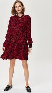 Czerwona sukienka FEMESTAGE Eva Minge mini w stylu casual koszulowa