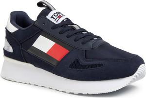 Granatowe buty sportowe Tommy Jeans z zamszu sznurowane