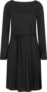 Sukienka Calvin Klein w stylu casual z długim rękawem z okrągłym dekoltem