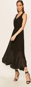 Sukienka Only rozkloszowana z dekoltem w kształcie litery v