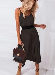 Czarna sukienka Sandbella midi z dekoltem w kształcie litery v