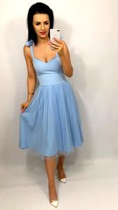 Sukienka livien.eu z tkaniny midi z dekoltem w kształcie litery v