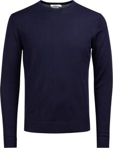 Niebieski sweter Jack & Jones z wełny w stylu casual z okrągłym dekoltem