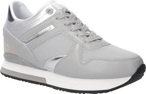 Sneakersy Tommy Hilfiger w sportowym stylu sznurowane