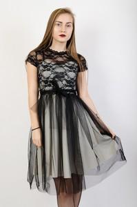 Sukienka Olika midi z krótkim rękawem