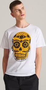 T-shirt Reserved w młodzieżowym stylu