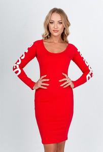 Czerwona sukienka ZOiO.pl w stylu casual mini z długim rękawem