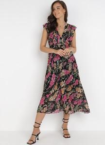 Sukienka born2be z dekoltem w kształcie litery v midi trapezowa