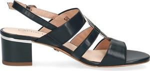 Czarne sandały Caprice z klamrami na obcasie