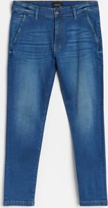 Niebieskie chinosy Reserved z jeansu