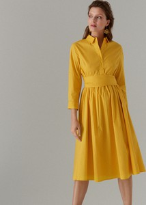 Żółta sukienka Mohito w stylu casual midi