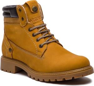 Brązowe buty zimowe Wrangler z nubuku w militarnym stylu