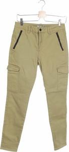 Zielone jeansy NA-KD w street stylu