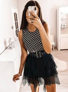 Czarna sukienka Pakuten mini bez rękawów rozkloszowana