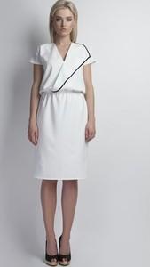 f5cfe74886 Sukienka Lanti z tkaniny midi z krótkim rękawem