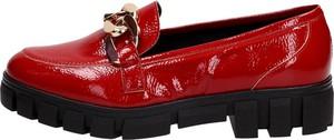 Czerwone półbuty Suzana ze skóry w stylu casual