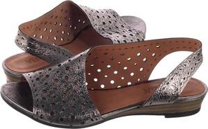 Sandały Venezia na niskim obcasie ze skóry na koturnie