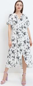 Sukienka Mohito midi z dekoltem w kształcie litery v