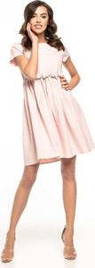 Różowa sukienka Tessita z okrągłym dekoltem