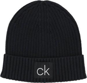 Czapka Calvin Klein w młodzieżowym stylu
