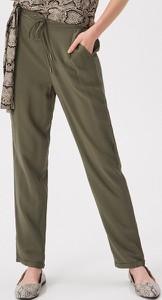 0918597e32989 Zielone spodnie damskie, kolekcja wiosna 2019