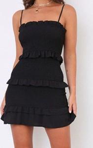 Czarna sukienka Kendallme na ramiączkach hiszpanka mini