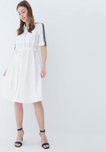 Sukienka Mohito z długim rękawem koszulowa midi
