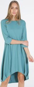 Turkusowa sukienka Unisono z okrągłym dekoltem z długim rękawem w stylu casual
