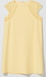 Sukienka Mohito z okrągłym dekoltem prosta