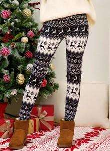 Spodnie Cikelly w sportowym stylu w bożonarodzeniowy wzór z dresówki