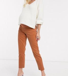 ASOS DESIGN Maternity Original – Mom jeans w kolorze rdzy z surowym wykońzceniem dołu-Czerwony