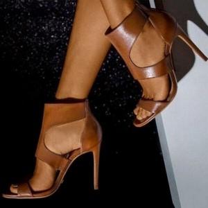 Sandały Sandbella na szpilce