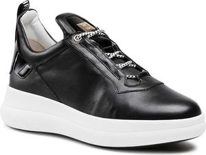 Czarne buty sportowe Hogl sznurowane na platformie