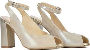 Złote sandały Gamis z klamrami na obcasie