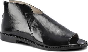 Czarne sandały Dwunasty Shoes w stylu casual ze skóry na zamek