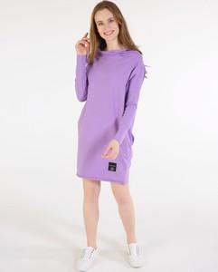 Fioletowa sukienka Unisono mini z okrągłym dekoltem w stylu casual